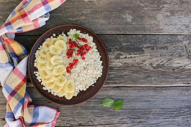 Harina de avena. comida sana.