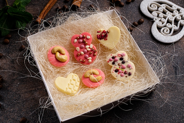 Hecho a mano de san valentín chocolate. delicioso set de regalo.