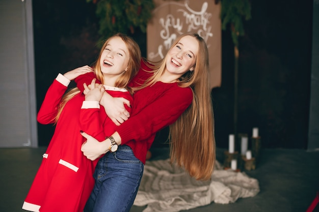 Hermanas en casa