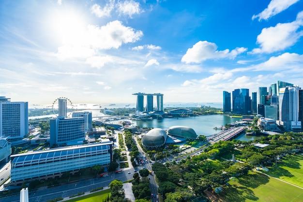 Hermosa arquitectura edificio paisaje urbano exterior en el horizonte de la ciudad de singapur