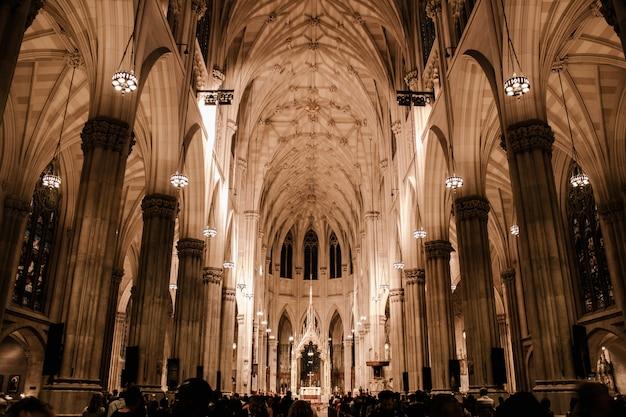 Hermosa arquitectura de una iglesia