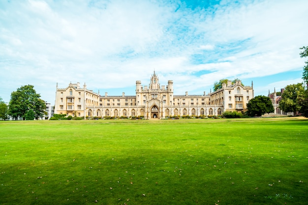 Hermosa arquitectura st. john's college en cambridge