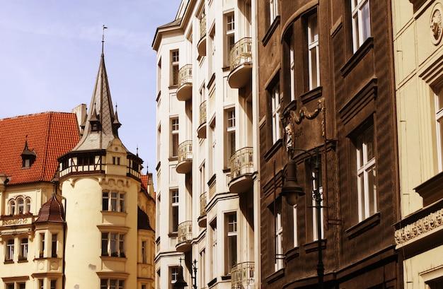 Hermosa calle en praga