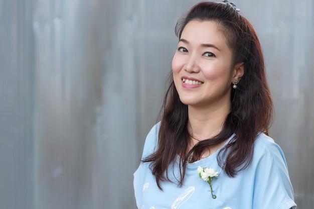Hermosa chica asiática.