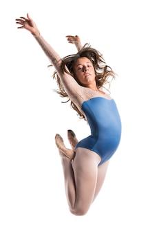 Hermosa chica bailarina de ballet