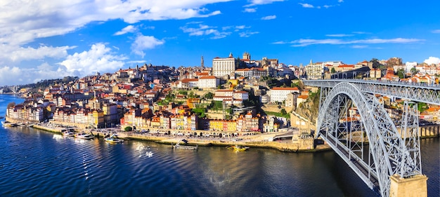 Hermosa ciudad de oporto -