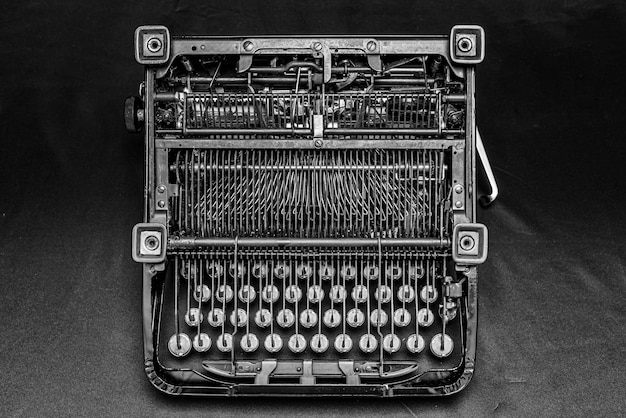 Hermosa foto de una máquina de escribir antigua vintage