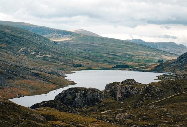 Hermosa foto del parque nacional de snowdonia