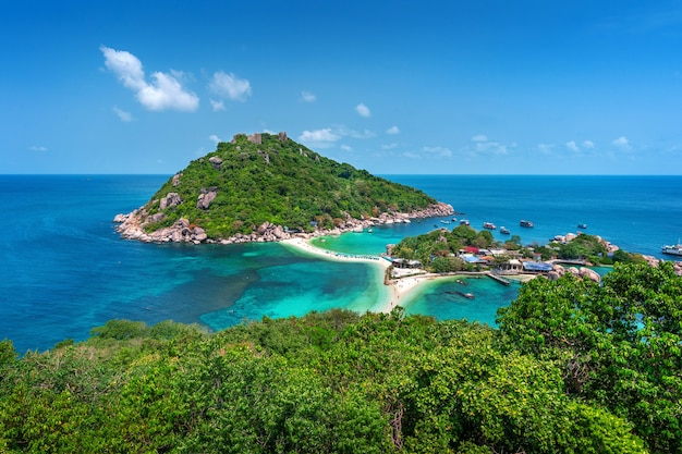 Hermosa isla de koh nangyuan en surat thani, tailandia