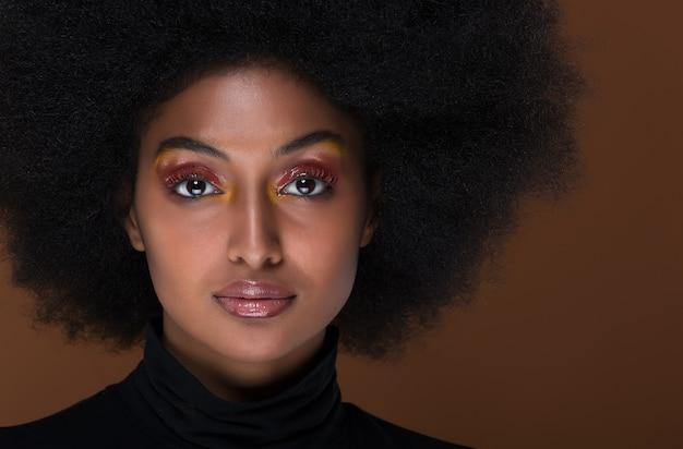 Hermosa mujer africana closeup retrato