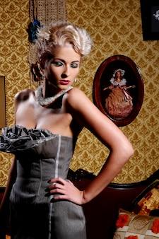 Hermosa mujer joven y sexy
