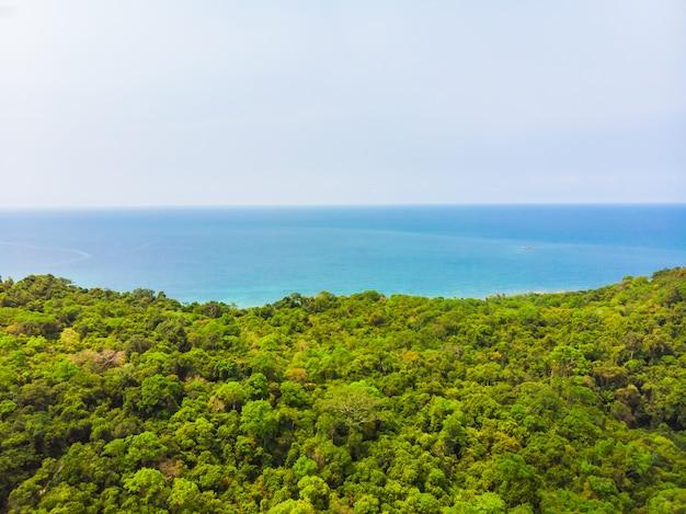 Hermosa naturaleza playa tropical y mar.