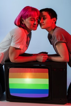 Hermosa pareja de mujeres lesbianas