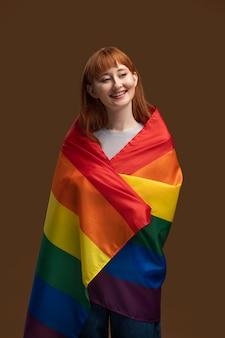 Hermosa pelirroja lesbiana mujer