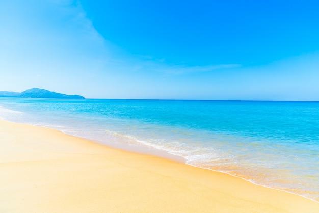 Hermosa playa y mar