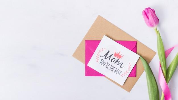 Hermosa tarjeta del día de la madre en plano
