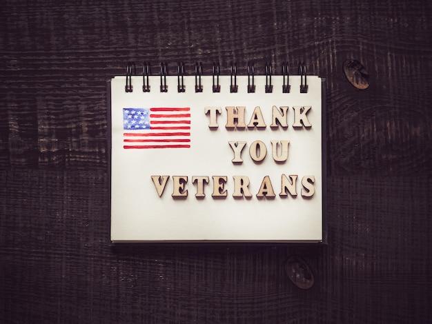 Hermosa tarjeta de felicitación en el día de los veteranos.