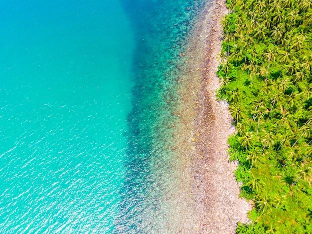 Hermosa vista aérea de la playa