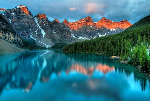 Hermosa vista del parque nacional de banff
