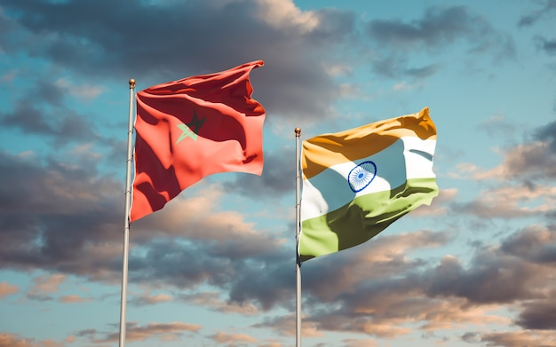 Hermosas banderas del estado nacional de marruecos e india juntos