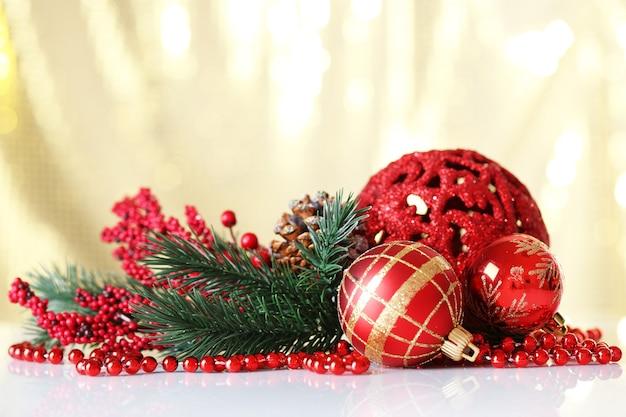 Hermosas bolas de navidad