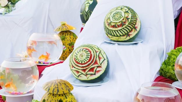 Hermosas tallas de sandía en exposición, decoración, hecho a mano, turquía