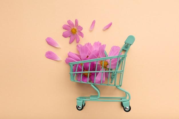 Hermoso arreglo plano de flores