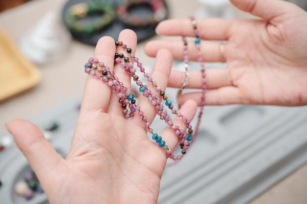 Hermoso collar hecho a mano