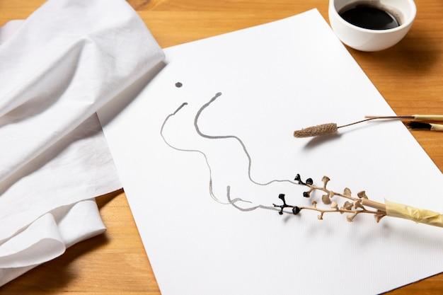 Hermoso concepto de arte moderno con pinceles de rama alternativos