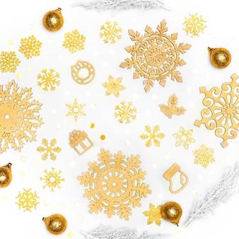 Hermoso concepto de navidad dorada