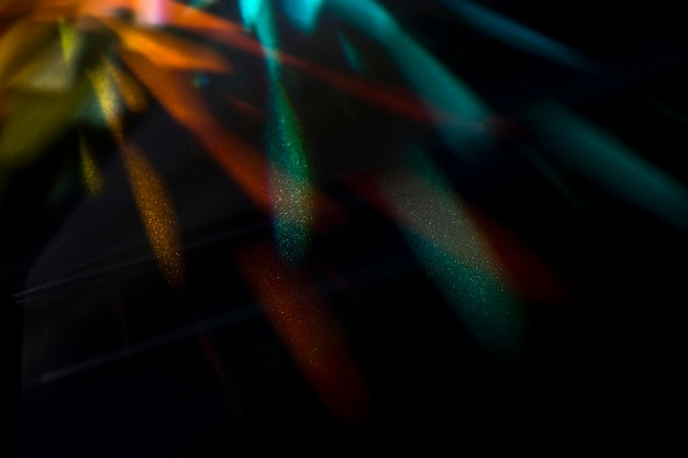 Hermoso concepto con prisma dispersando la luz
