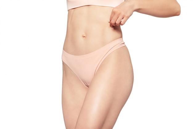 Hermoso cuerpo de mujer delgada