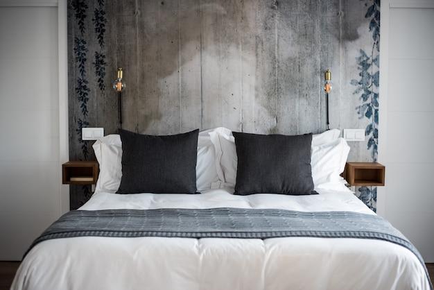 Hermoso diseño de interiores de dormitorio moderno