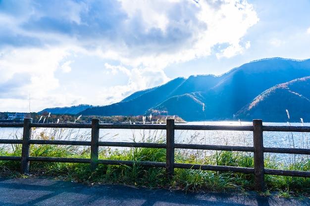 Hermoso paisaje alrededor del lago kawaguchiko