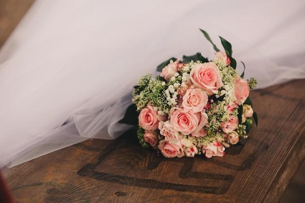 Hermoso ramo de la boda