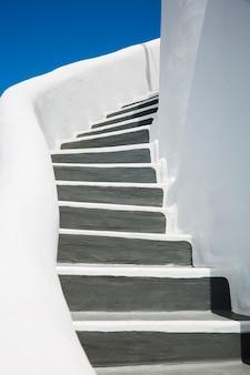 Hermosos detalles de la isla de santorini, grecia