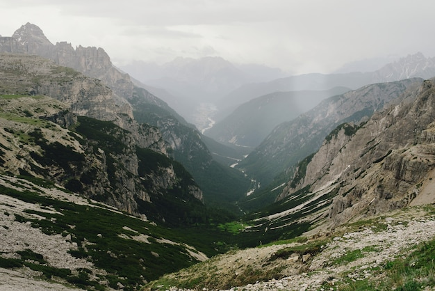 Hermosos paisajes de los dolomitas italianos.