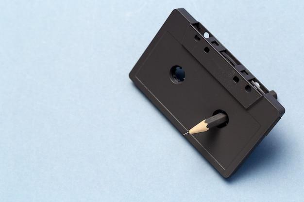 Herramienta de lápiz para rebobinar los casetes de cinta.