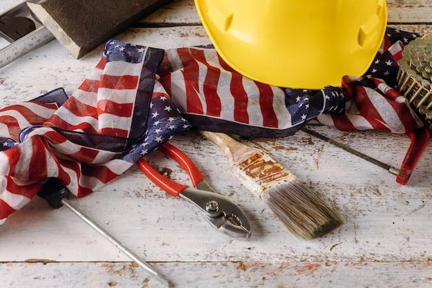 Herramientas de construcción feliz día del trabajo