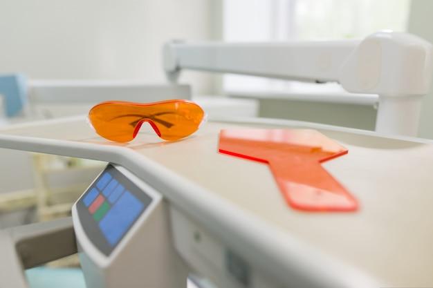 Herramientas y equipos de dentista, instrumentos para el cuidado de los dientes sanos