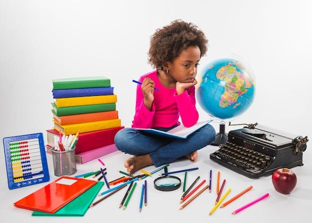 Herramientas de estudio de niños en estudio