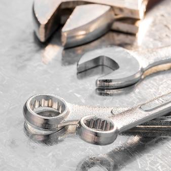 Herramientas mecánicas de primer plano