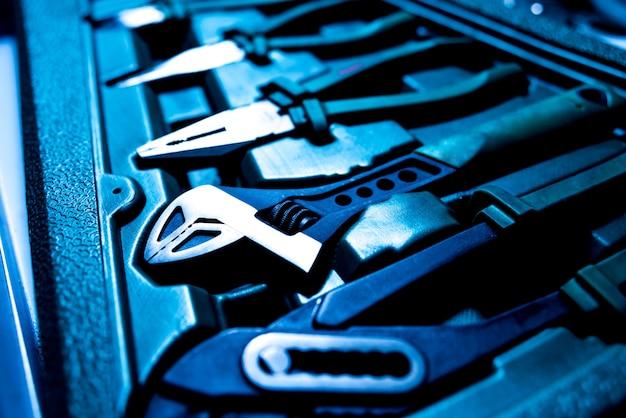Herramientas en servicio de reparación de automóviles. auto servicio