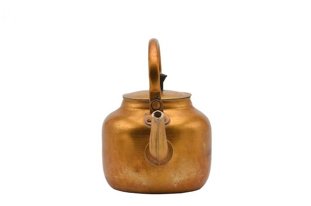 Hervidor de metal dorado aislado tetera de oro