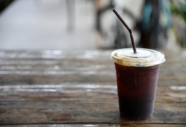 Hielo americano café en la cafetería