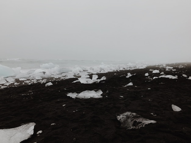 Hielo en playa islandesa