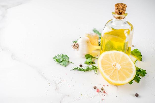 Hierbas, aceite de oliva, ajo