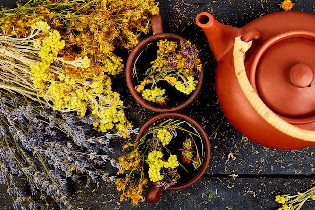 Hierbas secas y flores, hierbas medicinales. endecha plana.