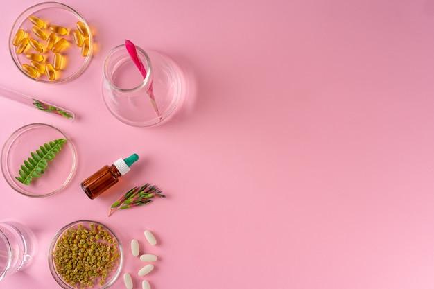 Hierbas y suplementos dietéticos a base de hierbas vista superior