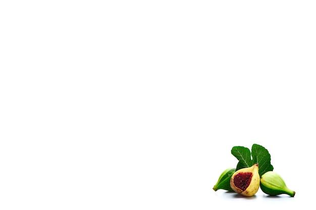 Higos frutas aisladas
